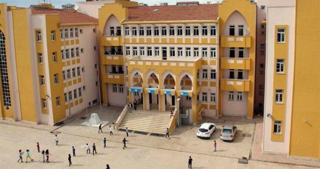 Sur'da tek binaya 4 okul yerleşti