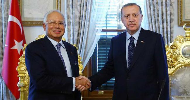 Cumhurbaşkanı Erdoğan Malezya Başbakanı'nı kabul etti