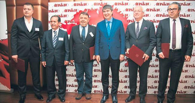 CHP'li Eski Başkan Kumbul Türel'in projelerini övdü