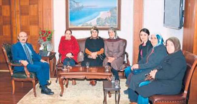 AK Kadınlar'dan Kürklü'ye ziyaret