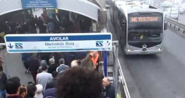Avcılar metrobüs durağındaki patlama