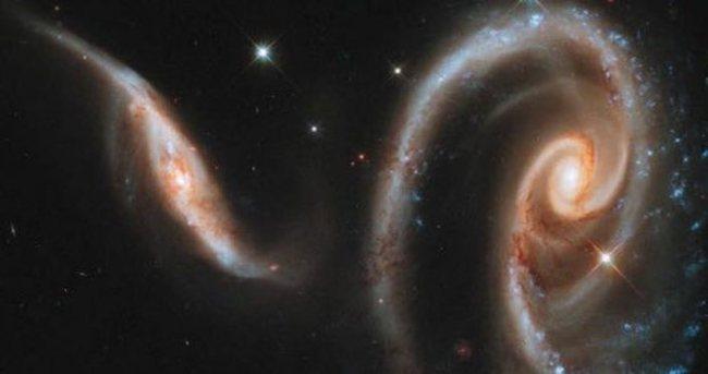 Hawking: Yıldızlar arası yolculuk gerçek olabilir