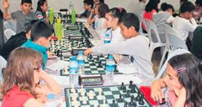 20'nci yıl satranç turnuvası