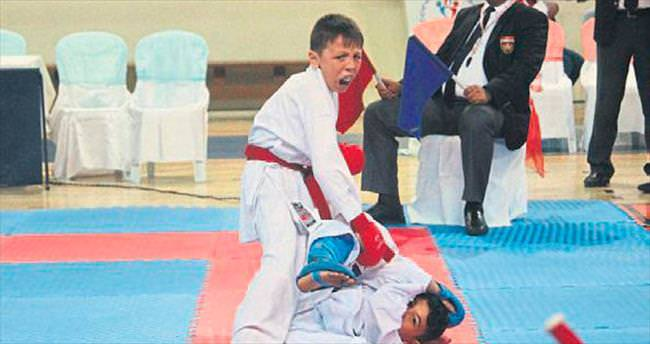 Karatenin kalbi Isparta'da attı
