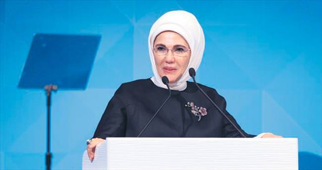 'Müslümanlar korku kaynağı haline getiriliyor'