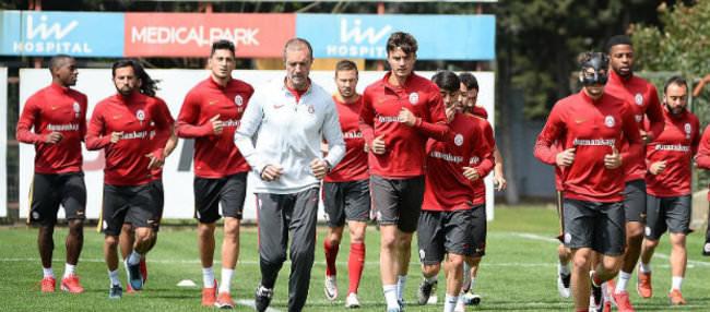 Selçuk İnan ve Sneijder kadroya alınmadı