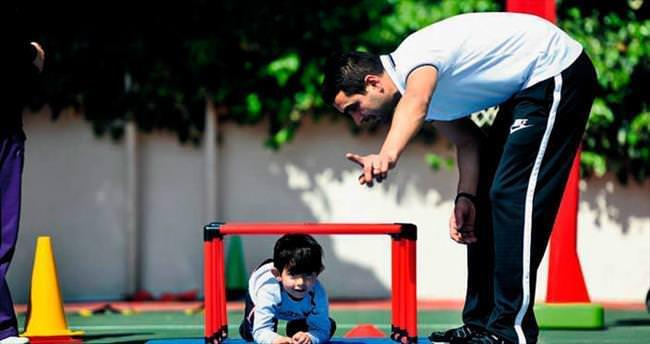 Otistik çocuklar hayata sporla tutunuyor