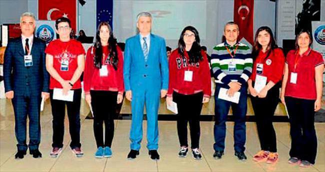 Öğrenciler Avrupa'ya gidebilmek için yarıştı