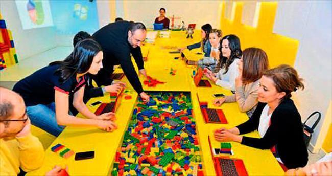 Veliler de LEGO'lar ile öğrendi