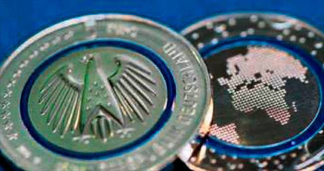 Almanya'da 5 euroluk madeni para ilgi odağı