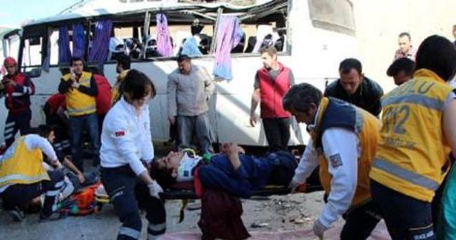 Personel servisi kaza yaptı: 19 yaralı