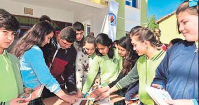 21 köy okuluna 5 bin 200 kitap