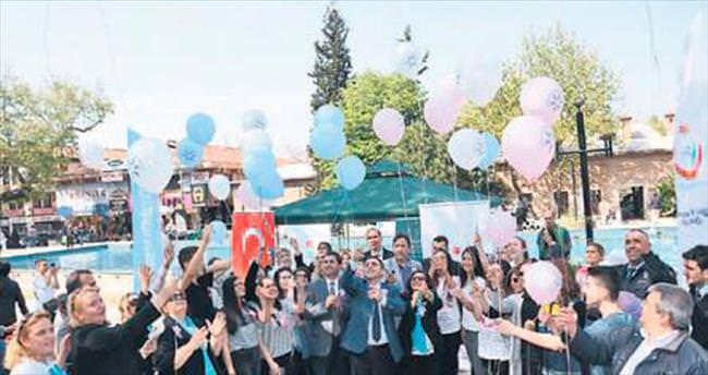 Kanserde erken teşhise balonlarla dikkat çektiler