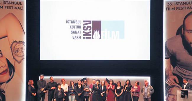 İstanbul Film Festivali'nde... Altın Lale 'Toz Bezi'ne
