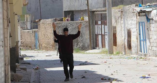 Nusaybin'de iki terörist teslim oldu