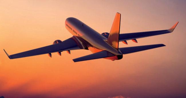 Yolcu uçağı dronea çarptı