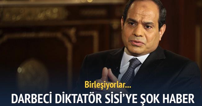 Mısır'da muhalifler Sisi'ye karşı birleşiyor
