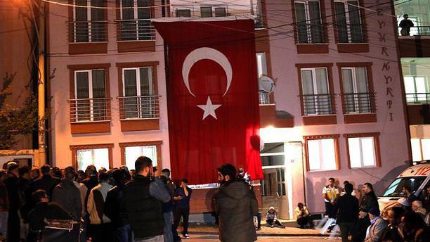 Yaralı özel harekat polisi GATA'da şehit oldu