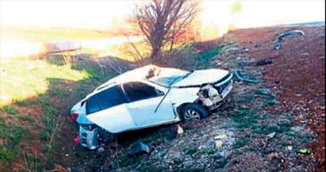 Şarkikaraağaç'ta otomobil takla attı