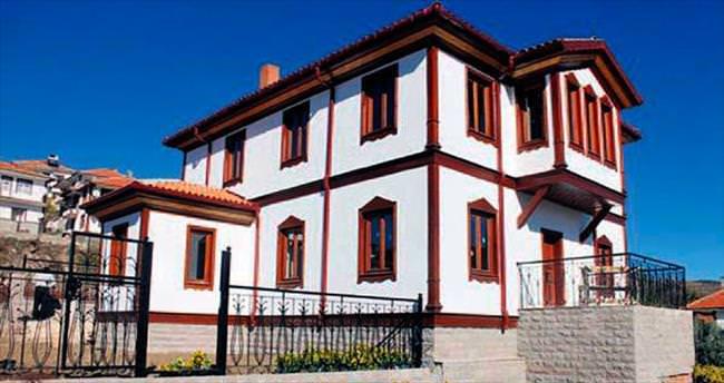 Başkent parklarına tarihi Ankara evleri