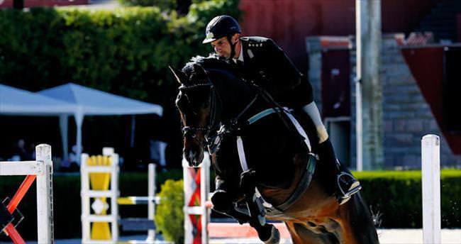 Anadolu'nun güzel atları yarıştı