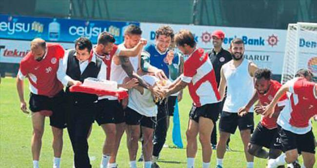 Antalyaspor'un Osmanlıspor mesaisi sürüyor