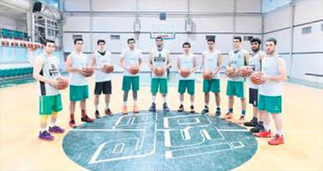 Genç basketbol takımı namağlup