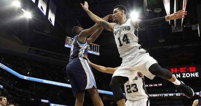 Spurs, Grizzlies'e potasını kapattı