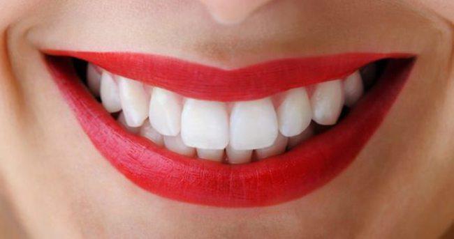 Güneşlenin, diş eti hastalıklarını engelleyin!