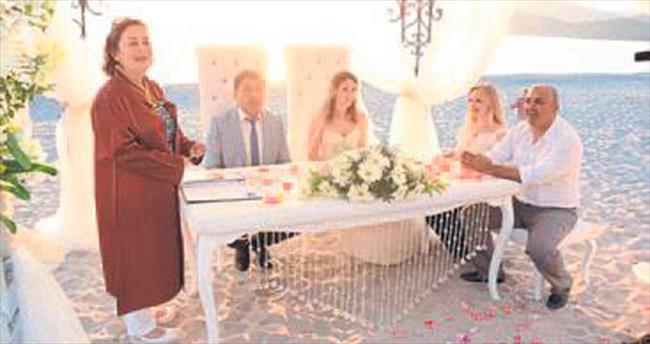 Kumsalda nikah sezonu açıldı