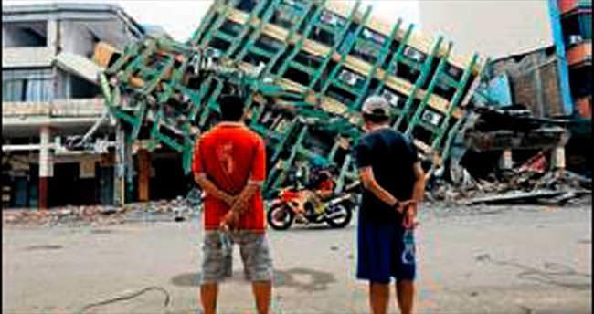 Ekvador'da depremin artçıları devam ediyor