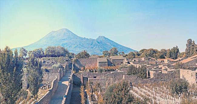 Öfkeli yanardağ ve Pompei