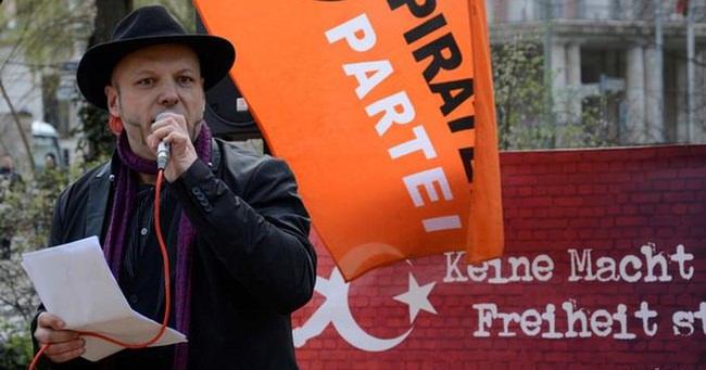 Korsan Başkana Erdoğan şiirinden gözaltı
