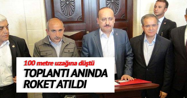 Yalçın Akdoğan toplantıdayken, 100 metre uzağına roket atıldı