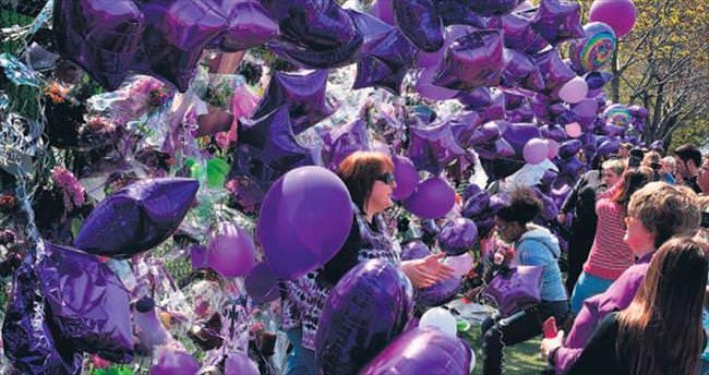 Mor balonlarla uğurlandı