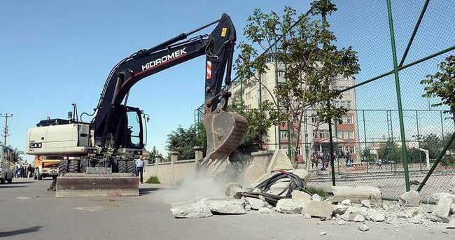 Aksaray'da paralel yapının lisesine yıkım
