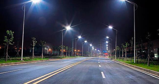 Akıllı yol aydınlatma sistemi geliştiriliyor