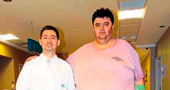 240 kiloluk işadamı midesini küçülttürdü