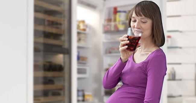 Gebelikte içilen kola bebeğin kalbine zararlı