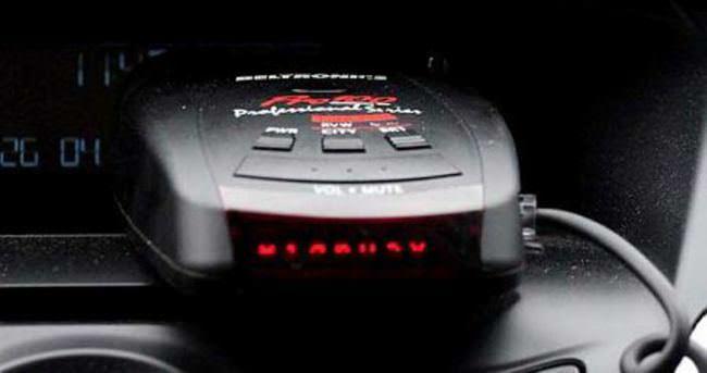 Radar tespit cihazı bulunduran sürücüye 1800 TL ceza