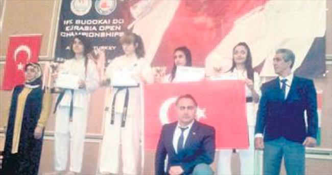 Avrasya Şampiyonası 3'üncüsü