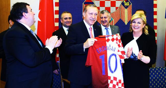 Cumhurbaşkanı Erdoğan'a 10 numara hediye