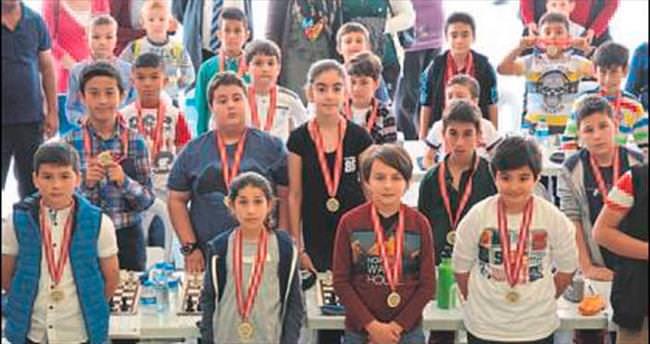AKBEM'de satranç turnuvası yapıldı