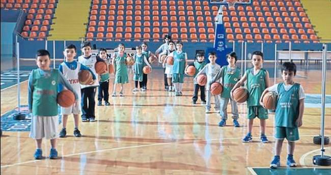 Minik basketçilerden büyük başarı