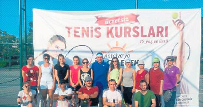 Ücretsiz tenis kursları