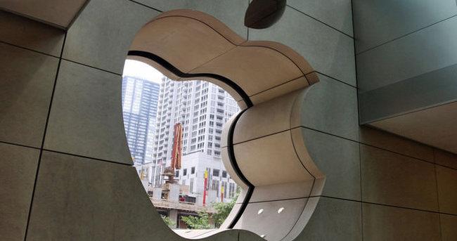 Apple'a bir darbe daha!