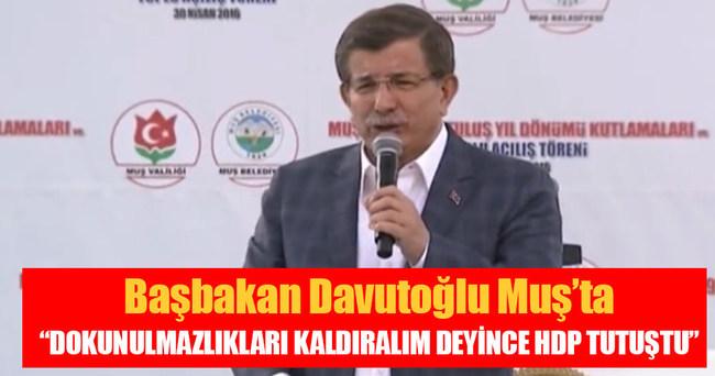 """Başbakan Davutoğlu: """"HDP'nin paçası tutuştu"""""""