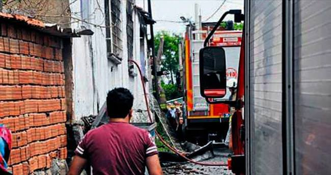 2 yaşındaki çocuk yanan evde öldü