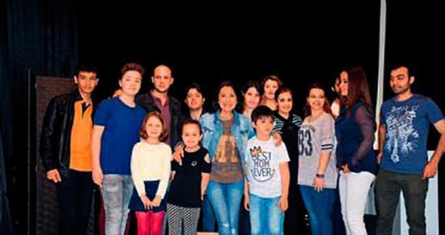 Asuman Dabak Sahne İzmir açıldı