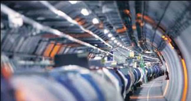 Gelincik CERN'de kısa devre yaptırdı